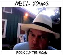 Neil Young: Fork In The Road (CD + DVD), 1 CD und 1 DVD