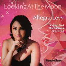 Allegra Levy (geb. 1990): Looking At The Moon, CD
