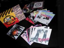 The Clash: The Singles Box Set, 19 Maxi-CDs