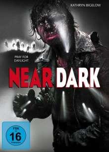 Near Dark (Blu-ray & 2 DVDs im Mediabook), 1 Blu-ray Disc und 2 DVDs