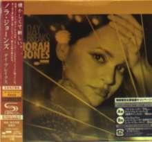 Norah Jones (geb. 1979): Day Breaks + Bonus (SHM-CD) (Digisleeve), CD