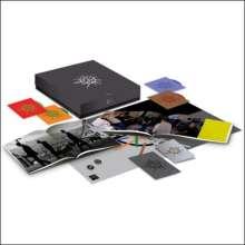 Depeche Mode: Sounds Of The Universe (Deluxe Box-Set 3 CD + DVD + 2 Bücher), 3 CDs und 1 DVD