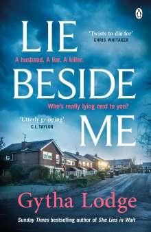Gytha Lodge: Lie Beside Me, Buch