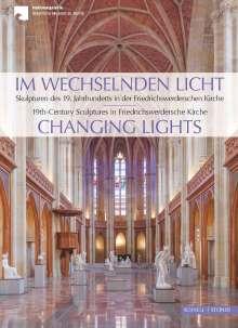Yvette Deseyve: Im wechselnden Licht, Buch